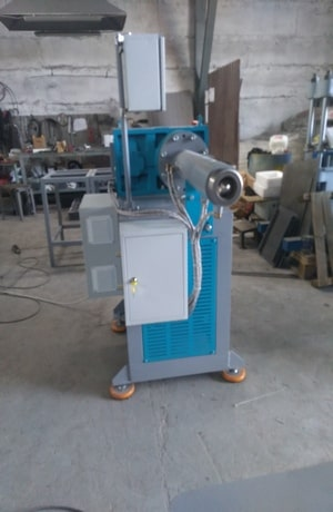 Червячная машина для силиконовых деталей